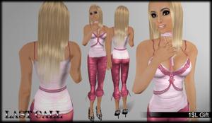 Nicole_gift_in_hethr_pink